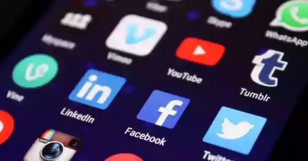 Hukum Share Berita di WA atau Media Sosial