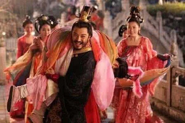 """Chiếc xe dê chọn phi tần """"ân ái"""" mỗi đêm của vị Hoàng đế Trung Hoa hoang dâm"""