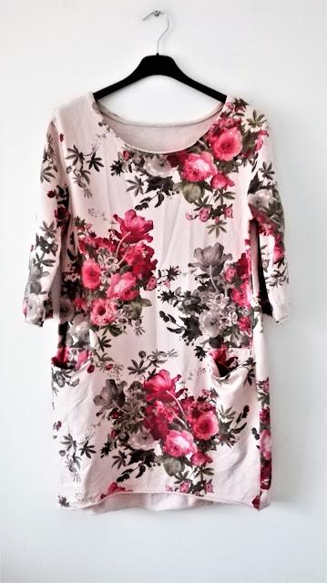 dzianinowa-sukienka-w-kwiaty-swap-wrocla
