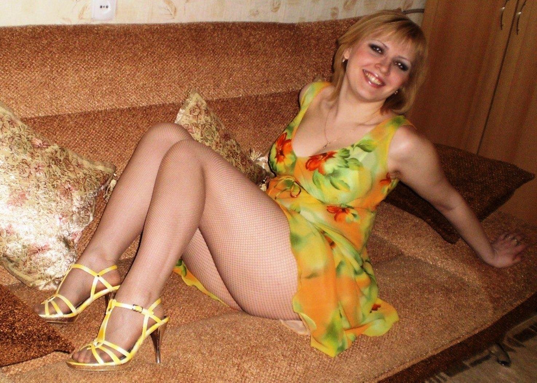 мужик парку русская жена в возрасте показывает выкупался