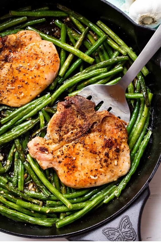 Skillet Garlic Butter Pork Chops And Green Beans