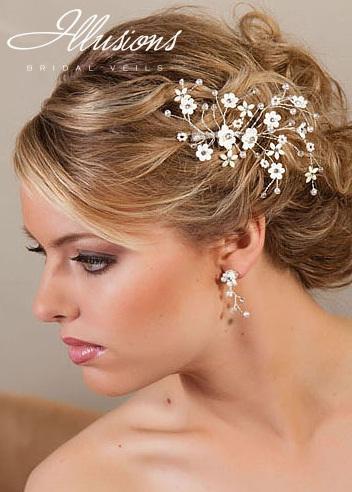 Hermosos peinados de novias con accesorios illusions bridal peinados de moda peinados de novia - Lo ultimo en peinados de novia ...