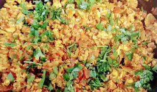 Chopped coriander leaves over egg bhurji recipe