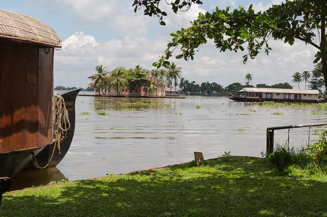 Punnamada Resort Alleppey houseboat backwaters kerala india