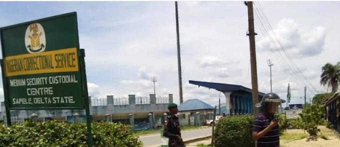 2 detainees escape, six shot at Sapele jail