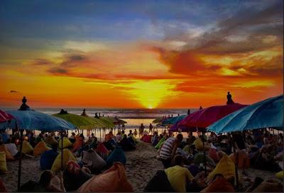 Sunset menakjubkan Pantai Double six