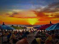 Pantai Double Six di Bali Membuat Liburanmu Menyenagkan