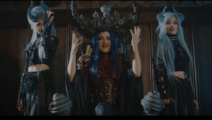Powerwolf lanza canción con Alissa White-Gluz