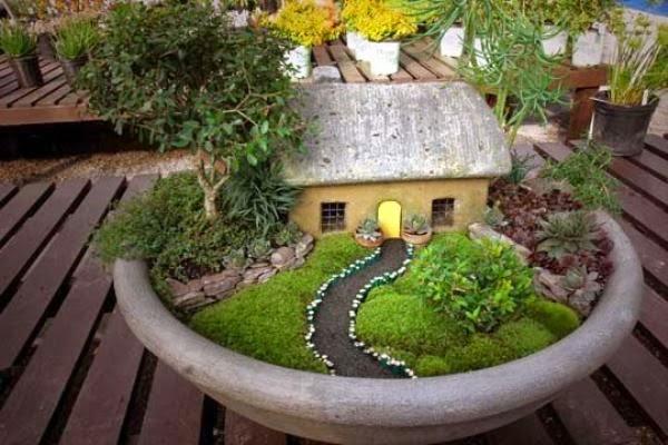 Contoh miniatur taman depan rumah