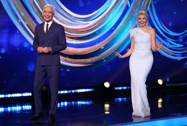 holly willoughby and phillip schofield holly willoughby this morning paddy mcguinness holly willoughby holly willoughby twitter