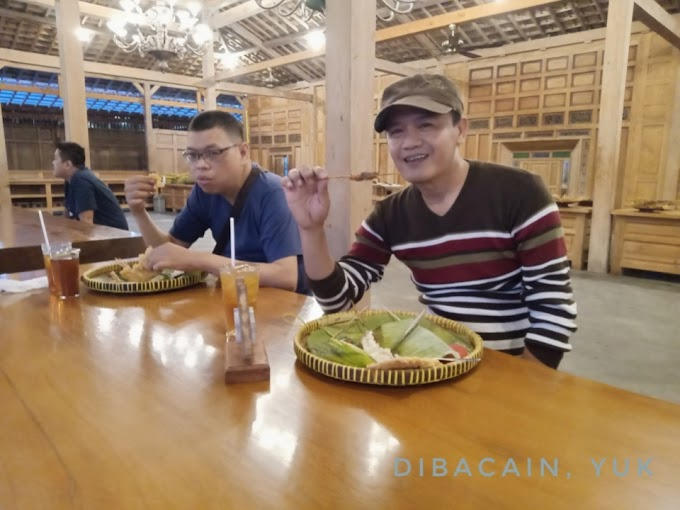 Kampung Ulam Ngrajek - Tempat Makan Bernuansa Etnik Jawa