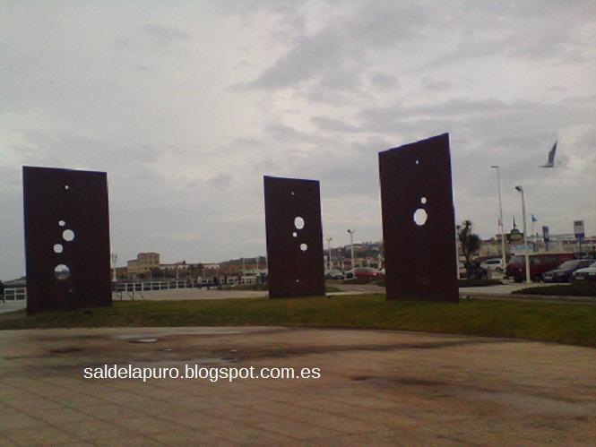 escultura-chapas-gijón