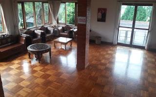 living room luas kelebihan dari villa bivaq