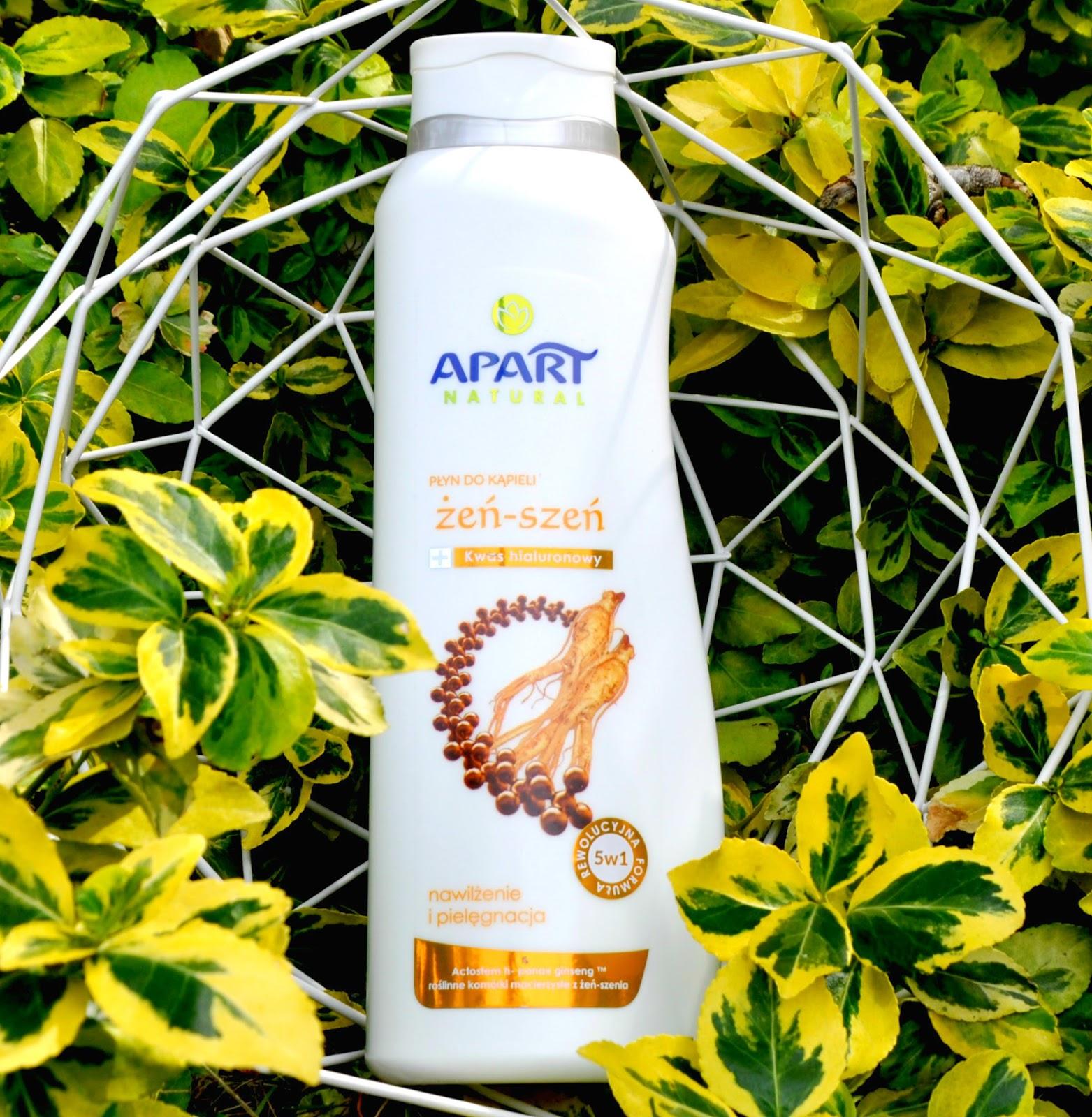 APART Natural, Żeń-Szeń, płyn do kąpieli, kwas hialuronowy i roślinne komórki macierzyste Płyn do kąpieli Apart Natural to innowacyjna receptura łącząca w sobie dwa wyjątkowe składniki: kwas hialuronowy (znany jako Elixir Młodości) i roślinne komórki macierzyste z Żeń-Szenia , posiadające wyjątkowe właściwości pielęgnacyjne. Dzięki ich połączonemu działaniu powstała rewolucyjna formuła 5w1: nawilżanie, skuteczna pielęgnacja, wygładzanie, relaks dla zmysłów, długo utrzymująca się i gęsta piana. Po kąpieli skóra będzie miękka i miła w dotyku, a piękny zapach pozostanie na niej na długi czas.