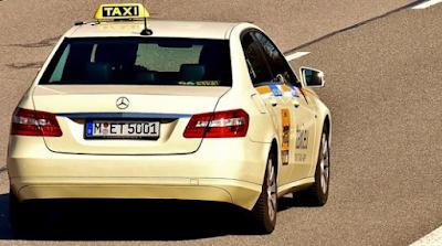 Taking A Taxi (Naik Taksi)