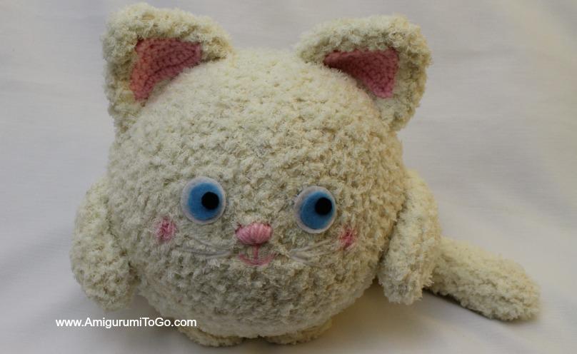 Free Crochet Cat Pillow Pattern : Olive You! Fat Kitty ~ Amigurumi Pillow ~ Amigurumi To Go