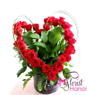 Red rose arrangement delivery Hanoi