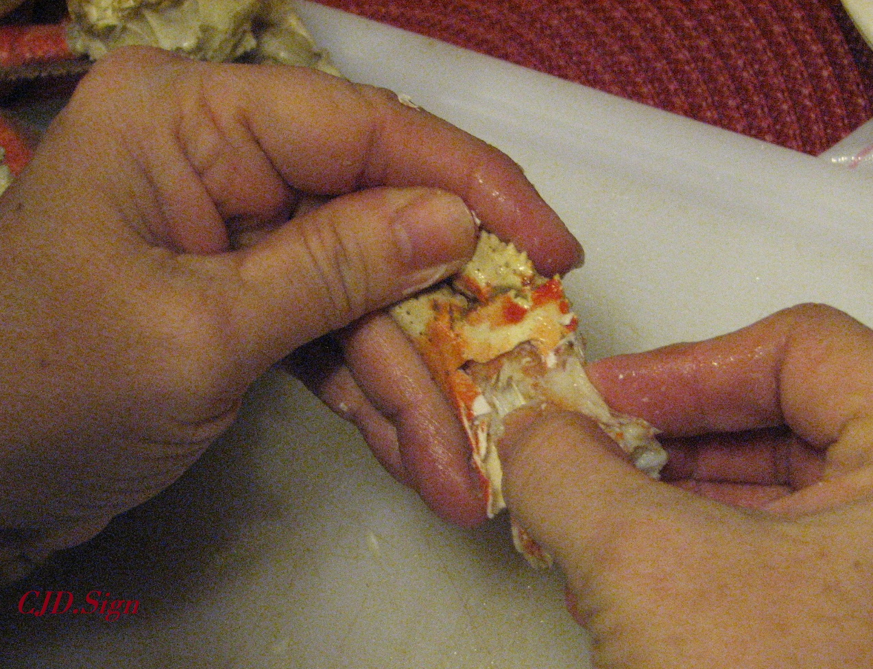 how to open dungeness crab