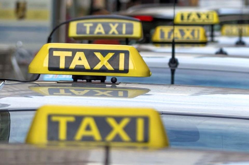 Taxistas Ushuaia piden aumento del 23,5 %