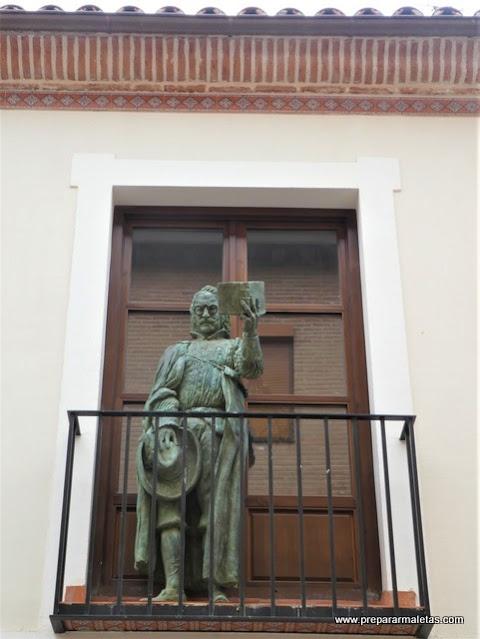 esculturas de bronce en Alcalá de Henares
