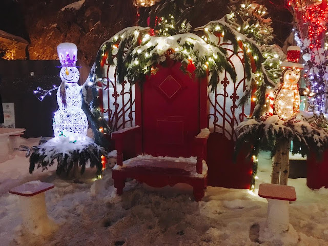 Santa's chair and Christmas decorations in Québec City, Canada