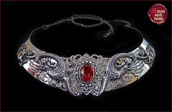 collier moyen age torque dragon créature fantastique médiéval renaissance bijouterie
