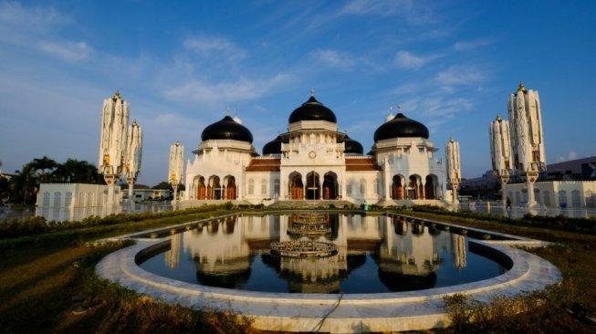 Masjid Raya Baiturrahman Banda Aceh Gelar Sholat Idul Fitri Berjamaah