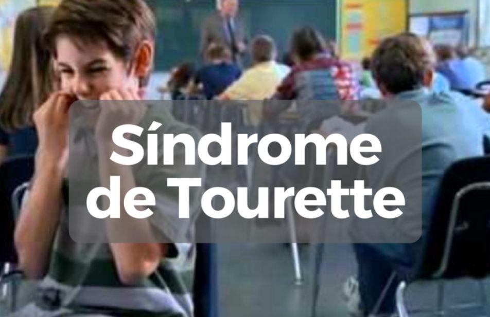 A imagem mostra um garoto com a síndrome de tourette