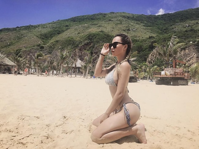 DJ Tít khoe thân hình sexy đến nghẹt thở đầu hè - Ảnh 10