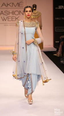 Check out these Anarkali Kurti with dhoti pants which you can experiment on your engagement day.