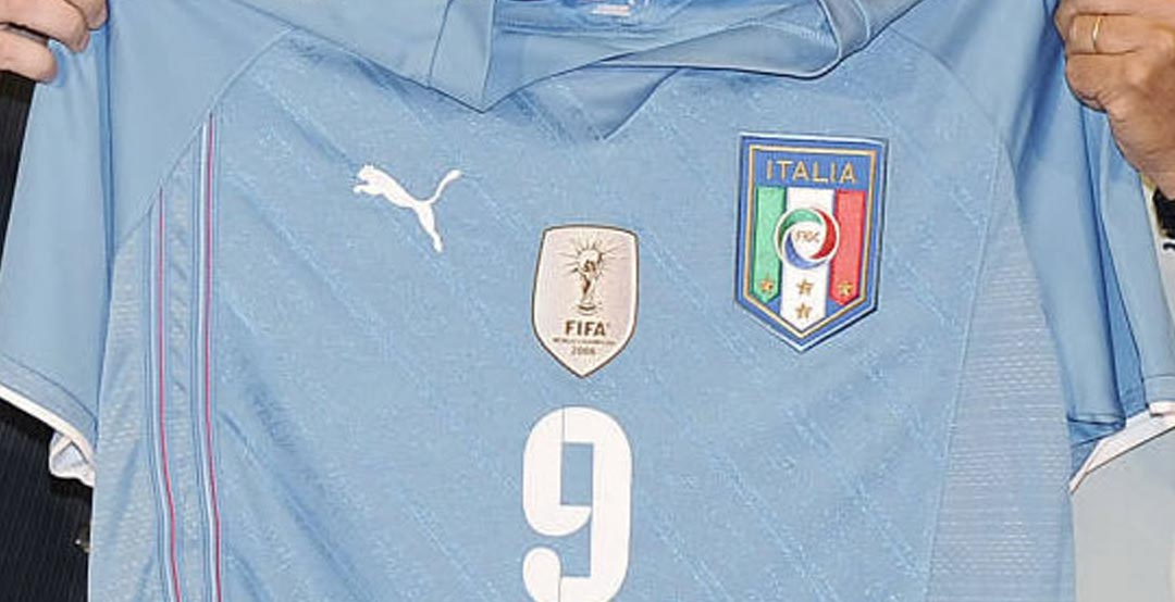 f20d42c89a4 The golden FIFA World Cup winners badge was officially introduced in 2008.  Italy was the first team to get the badge on their kit, and their Puma 2009  ...
