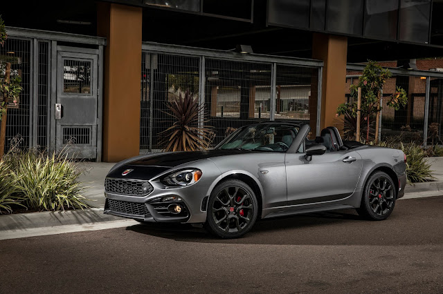 Front 3/4 view of 2017 Fiat 124 Spider Abarth