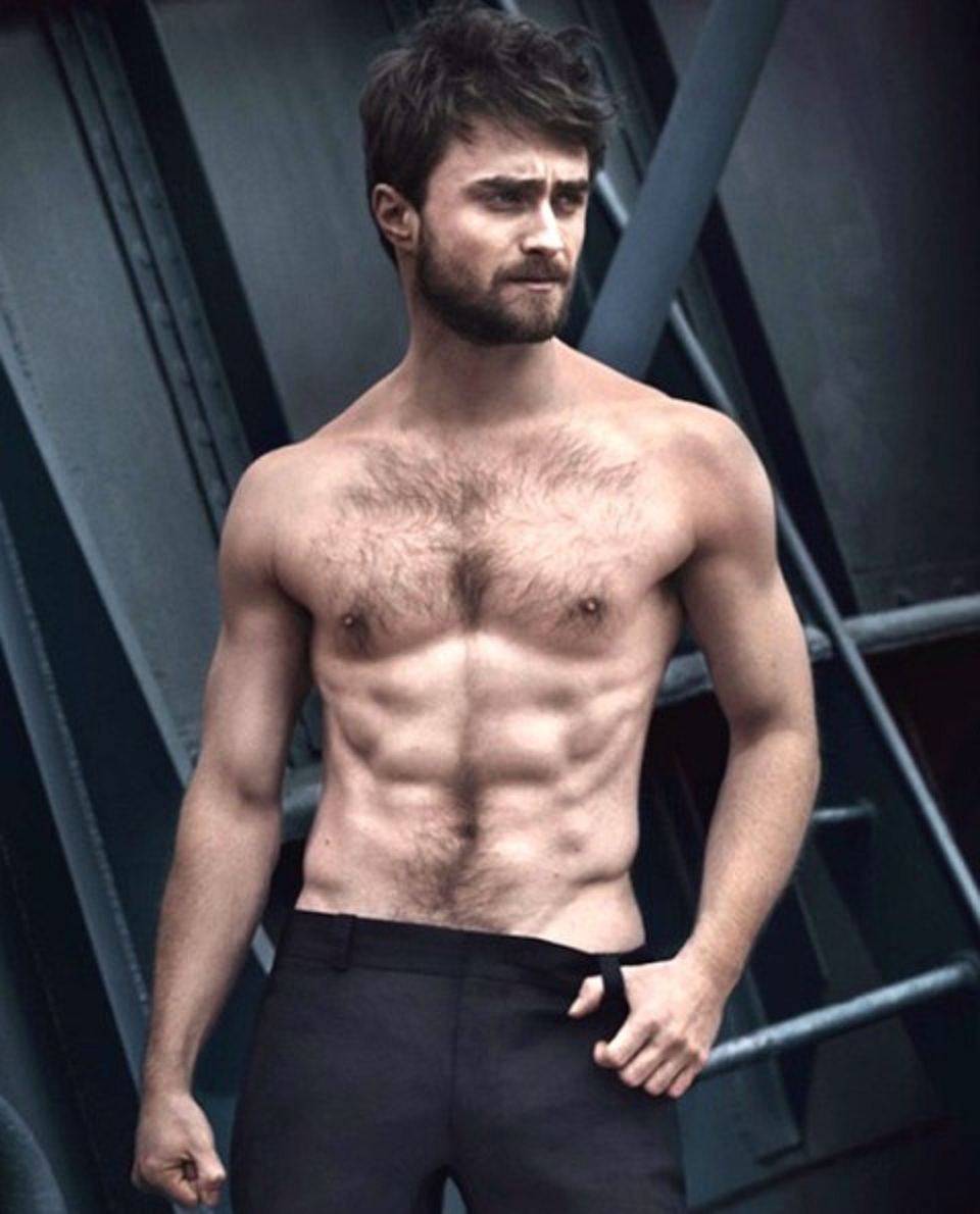 SHIRTLESS PEOPLE: Daniel Radcliffe shirtless hot moments