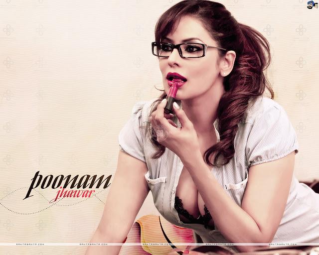 Sizzling Actress Poonam Jhawar