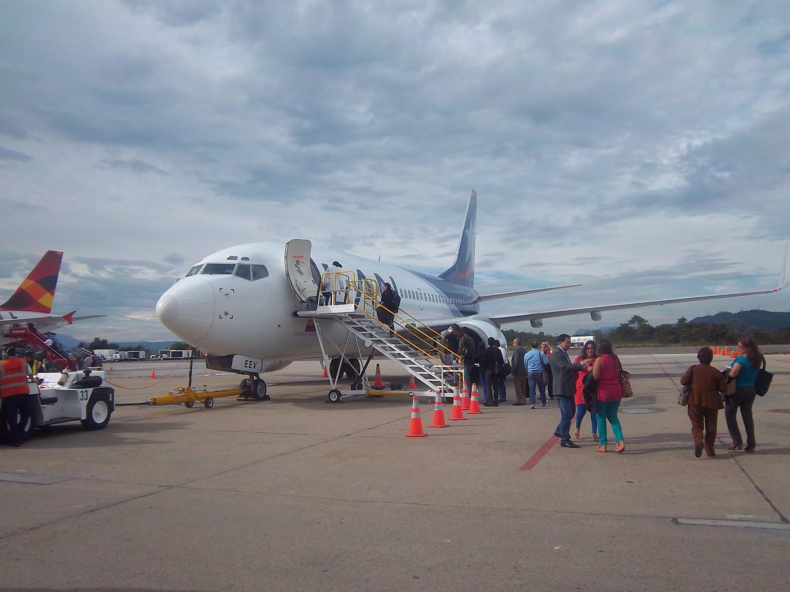 Viajar En Avión Los Hombres Que Viajan En Primera Y: Lengua Y Literatura: Crónica: Mi Primer Viaje En Avión