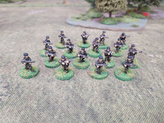 15mm German paratroops with SMGs
