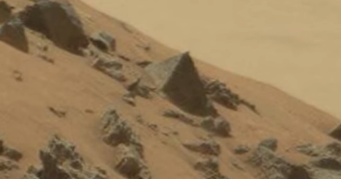 NASA's Curiosity Rover Captures Alien Pyramid on Mars – Evidence of an Early Civilization?