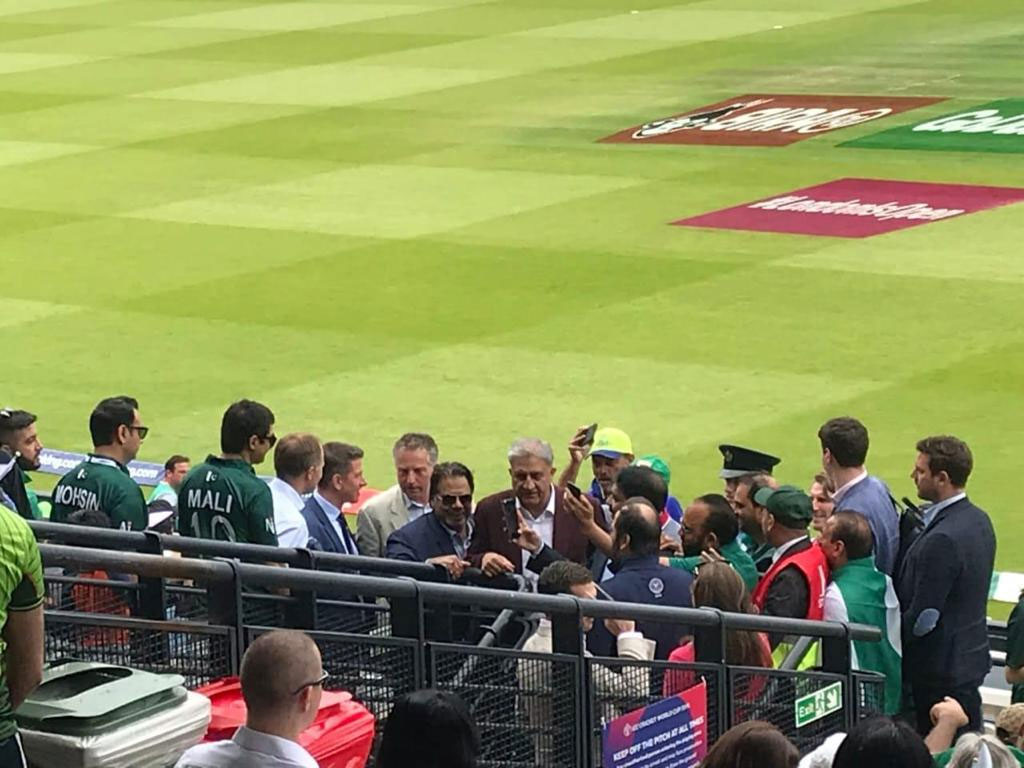 General Qamar Javed Bajwa Given a Message to Sarfraz through Asif Ghafoor in London