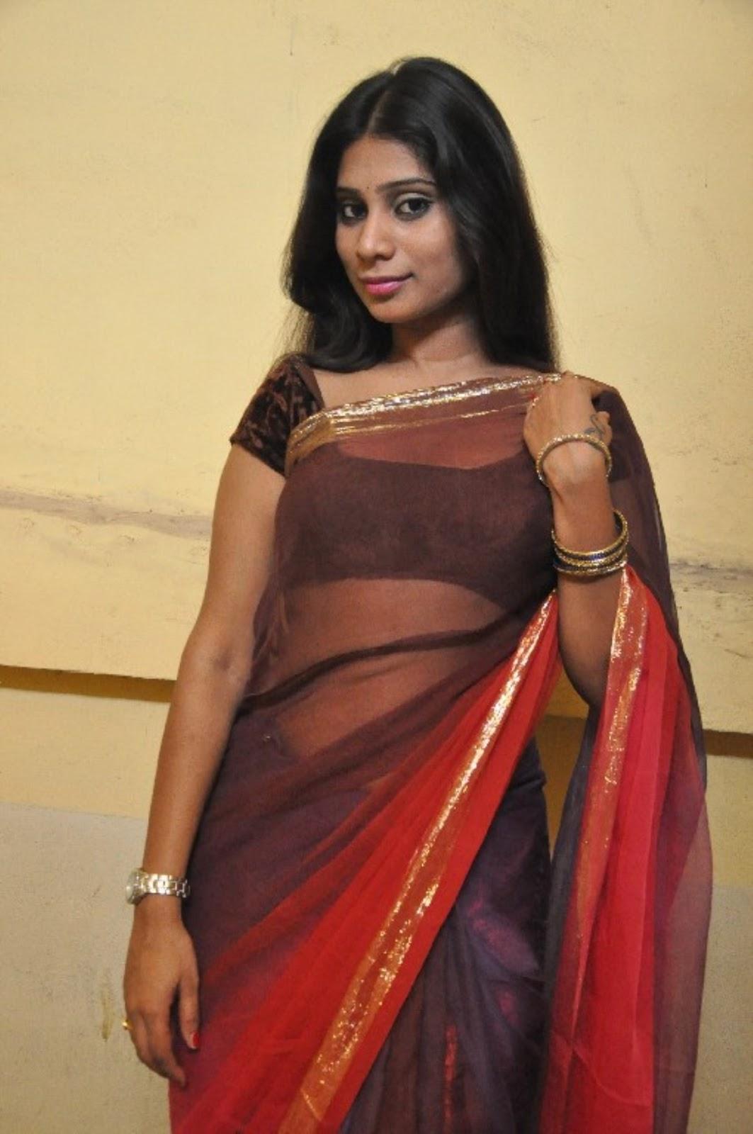 Saree Navel: Midhuna Waliya Hot Navel Show Photos In Transparent Saree