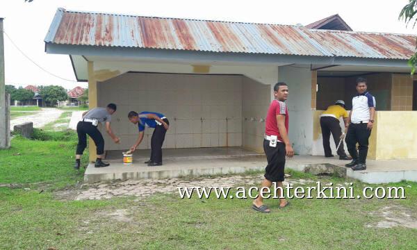 Sambut HUT Polantas Ke 61, Polisi Bersih-Bersih Masjid