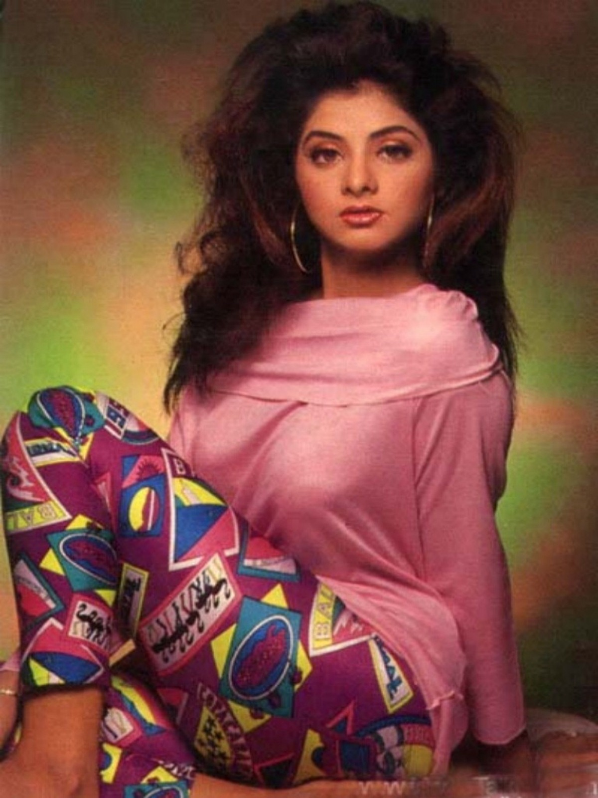 Divya Bharti Hot Photos-9572