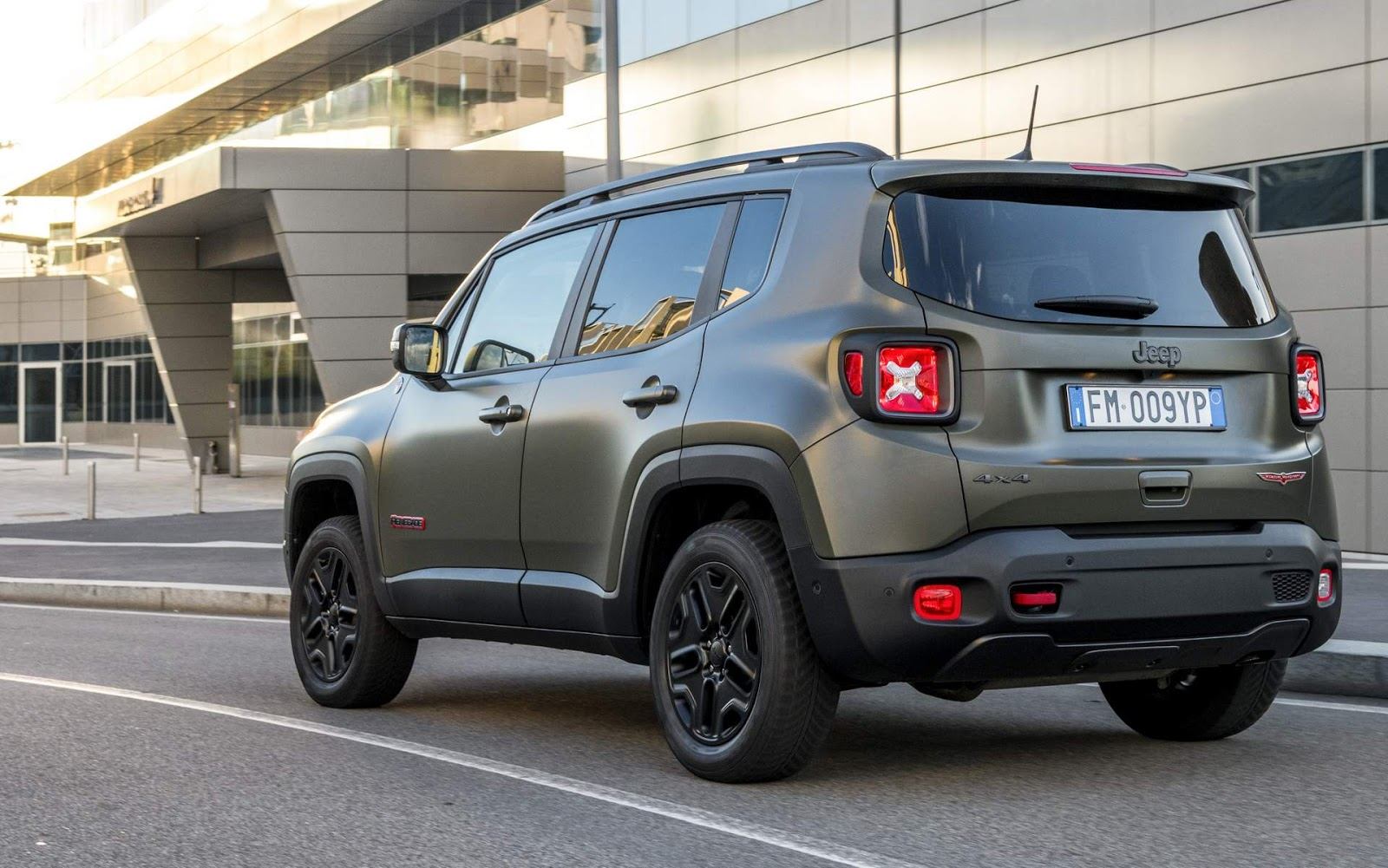 jeep renegade 2019 tem novidades na europa v deo car blog br. Black Bedroom Furniture Sets. Home Design Ideas