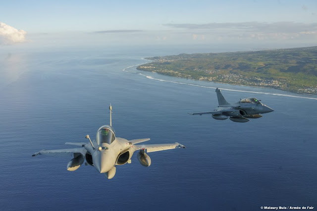 French Rafale train air raids