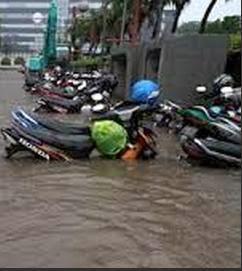 Memperbaiki Motor Mogok Terendam Banjir
