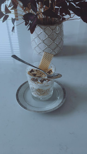 Dessert with oatmeal, healthy snack with chocolate, dessert recipe made with yoghurt and oatmeal, turn your oatmeal into dessert, healthy oatmeal and chocolate dessert with an easy recipe