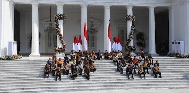 Kondisi Sudah Genting, Relawan Desak Jokowi Segera Rombak Kabinet