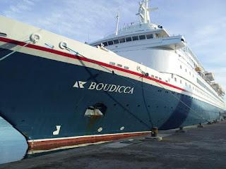 Jajaran KSOP Ambon Sambut Kapal Wisata MV Boudicca