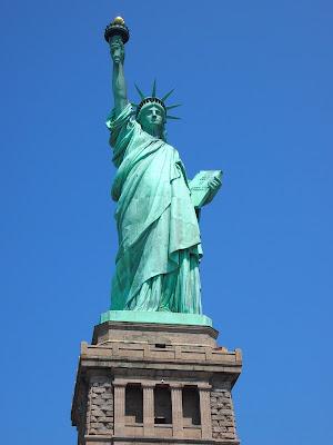 http://1.bp.blogspot.com/-uKqJNJOXG84/USgzl9wZKPI/AAAAAAAAA20/0l04nNO6v9U/s1600/Statue+of+Liberty.JPG