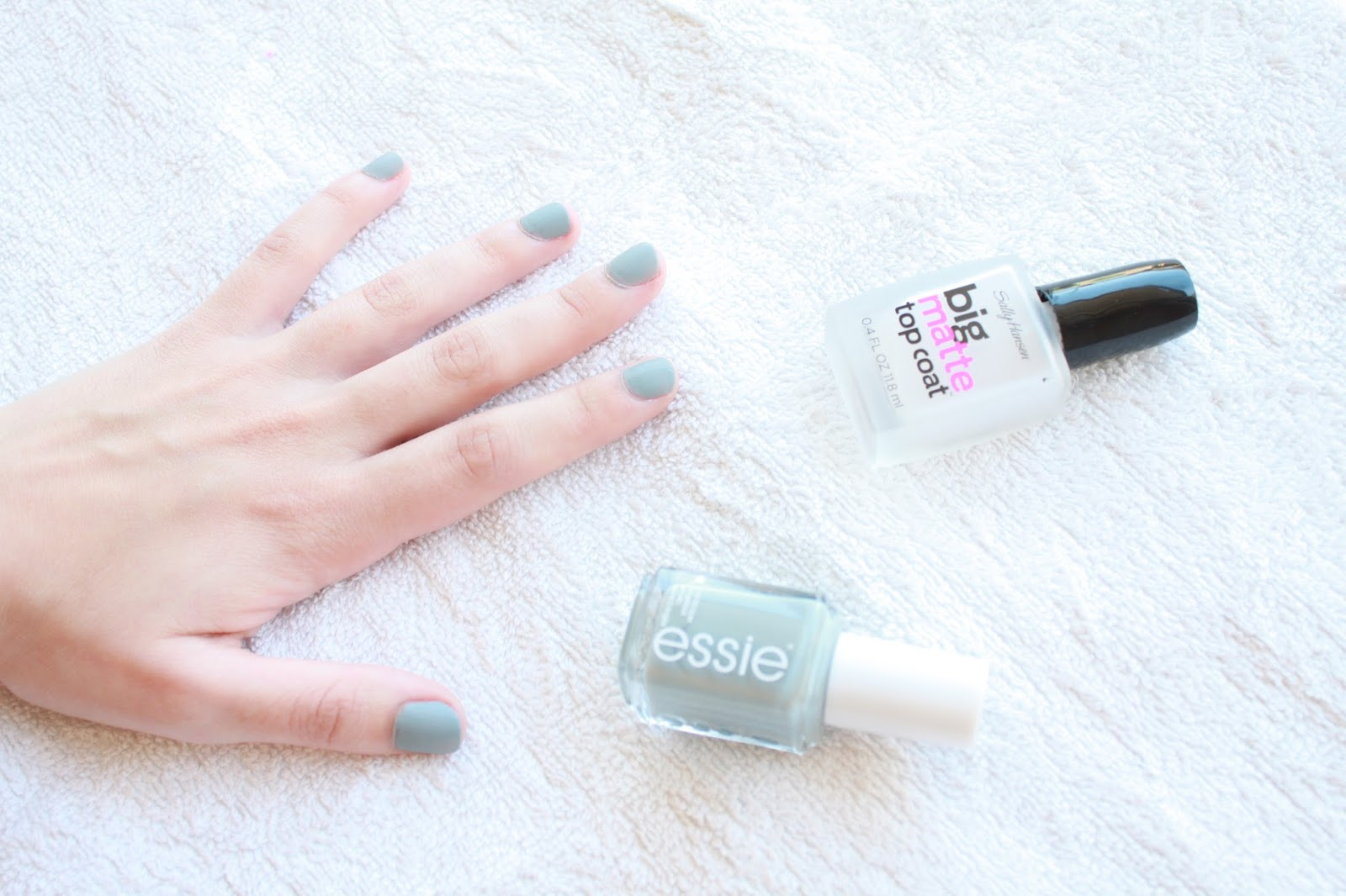 Sally Hansen Big Matte Top Coat with Essie in Maximillian Strasse-Her