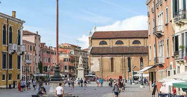 Campo Santo Stefano a Venezia
